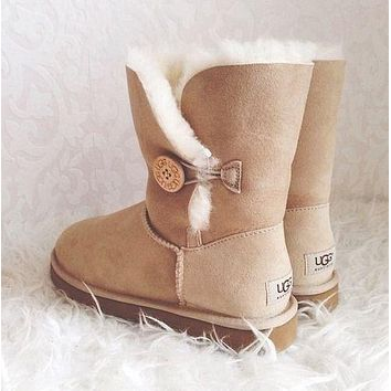 UGG Fashion New Snow Boots Classic Mid-tube Button Leather Shoes for Men and Women