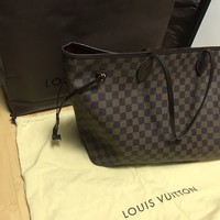 Louis Vuitton Damier Neverfull