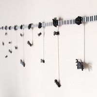 Black and White Garland Spiders Creepy Fun Gothic by wishdaisy