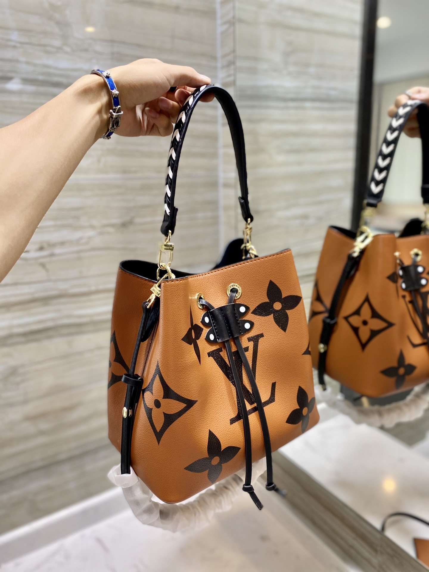 Image of lv louis vuitton womens leather shoulder bag satchel tote bags crossbody 603