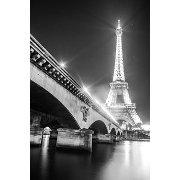 The Eiffel Tower on the Seine Downtown Paris France Canvas Photography Metal Print Wall Art Picture Home Decor Poster Landmark Cityscape