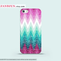 Chevron iPhone 5 case iPhone 4s case iphone 5s case Galaxy S4 S3 Cover personalized phone case Chevron iphone case Hard plastic case