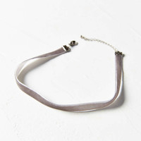 Claire Velvet Choker Necklace - Urban Outfitters