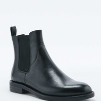 Vagabond Amina Black Chelsea Boots - Urban Outfitters