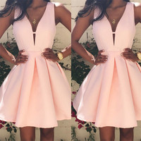 2017 New Sexy Short Mini Bridesmaid Homecoming Ball Gown Grad Dresses Sleeveless V Neck Sexy Dress