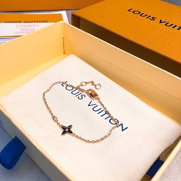 lv woman fashion accessories fine jewelry ring chain necklace earrings 2