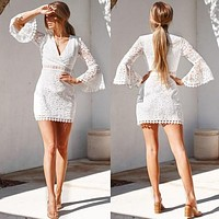 Early autumn new best selling fashion sexy V-neck slim trumpet sleeve dress