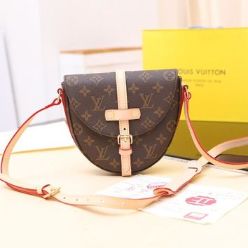 LV Louis Vuitton WOMEN'S MONOGRAM LEATHER CHANTILLY INCLINED SHOULDER BAG