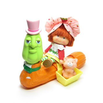 Berry Merry Worm Strawberry Shortcake Philbert Wormly Toy for Dolls Vintage 1980's Kenner Toys