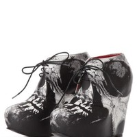 Iron Fist - Loose Tooth Wedge White - Heels