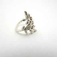 Leaves Shaped Ring, Romantic Jewelry, Organic Silver Ring, Statement Ring, Branch Ring, Rustic Jewelry