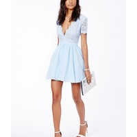 Missguided - Aleena Eyelash Lace Plunge Neck Puffball Mini Dress In Baby Blue
