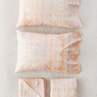 Washed Tie-Dye Sheet Set   Urban Outfitters