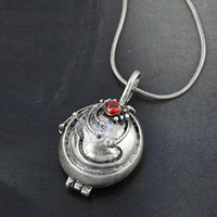 The Vampire Diaries Elena's Vervain Locket Pendant Crystal Gem Antique Necklace color  Red eye