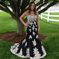White Applique Black Mermaid Prom Dress Off the Shoulder Long Strapless Backless Evening Party Gown galajurken