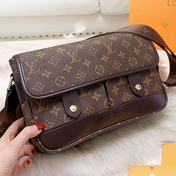 Hipgirls Louis Vuitton LV  Fashion New Monogram Tartan Leather Shopping Leisure Shoulder Bag Crossbody Bag Briefcase