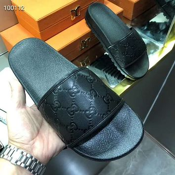 GUCCI embossed double G logo men and women wild beach sandals shoes