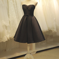 Sweetheart Black Knee Length Homecoming Dress