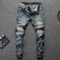 Fashion Designer Men Jeans Slim Fit Blue Color Cotton Denim Pants Ripped Jeans For Men Patch Design Classical Jeans homme