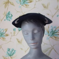 Vintage 40s 50s Navy Blue Velour Platter Hat With Rhinestones Lisette Jordan Marsh Boston