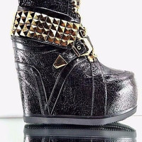 Vengeance Sneaker Wedge Gold Stud Collar Chain Laces 6-10 Black
