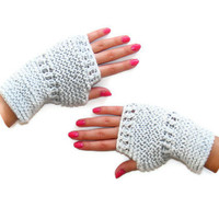knit,Gray Gloves,knit gloves mittens,Gift for Her,winter trends,accessory,for women,valentines day gift