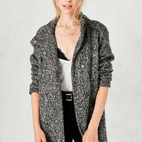 Silence + Noise Fabienne Boucle Poncho Coat - Urban Outfitters