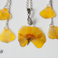 Resin flower jewelry set. Pressed flowers necklace. Real flower earrings. Nature inspired. One of a kind