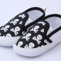 lovely-baby-boys-girls-first-walkers-shoes-toddler-skull-antislip-soft-sole-kids-infant-shoe-0-12-months BBL