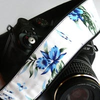 Floral Camera Strap. dSLR Camera Strap with blue flowers. Canon Camera Strap. Nikon Camera Strap. Women Accessories.