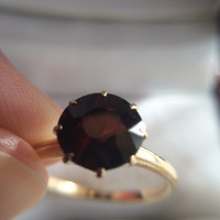 Vintage Garnet Ring in 14k Gold. 1.5+ Carat Round Cut. Engagement Ring.  Estate Fine Jewelry. January Birthstone. 2 Year Anniversary Stone