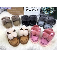 UGG fashionable ladies' casual slippers are hot sellers of velour covered sandals