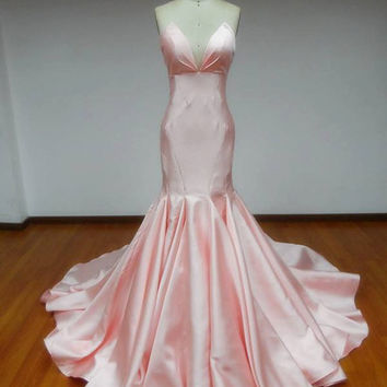 Satin Mermaid Evening Dress with Sweetheart Neckline