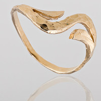 Gold ring. Dainty gold band. elegant trendy gold ring, trendy jewelry, gold jewelry, dainty ring, gift for her.