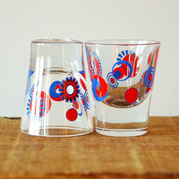 Retro Mod Shot Glass Red and Blue Pinwheels 4th of July by vint