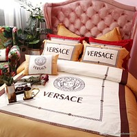 Set of 4 pieces luxury cotton fabric bedding