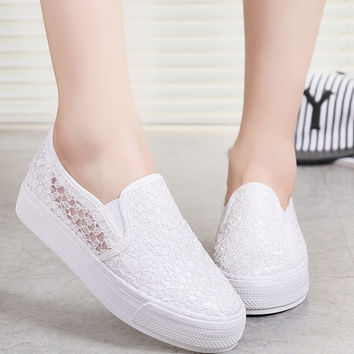Spring summer 2017 new net yarn design women flats canvas shoes breathable comfortable and sexy lace  platform woman flat shoes