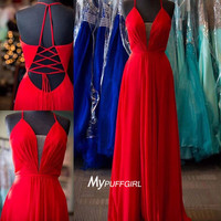 Gorgeous Red Plunging V Neck Chiffon Formal Gown With Spaghetti Straps