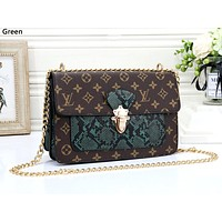 LV tide brand female models wild chain bag shoulder diagonal package green