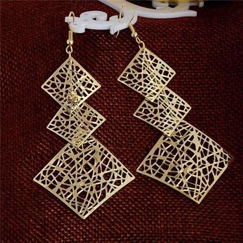Dangling Mesh Square Earrings in Gold or Silver