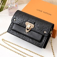 LV 2019 new classic presbyopic embossed chain bag shoulder bag black