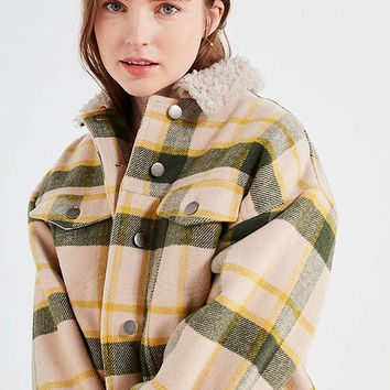 BDG '80s Plaid Sherpa Trucker Jacket | Urban Outfitters