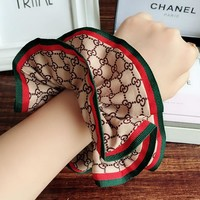 GUCCI red and green stripe letter double layer cloth art daihatsu circle ball head large hair rope