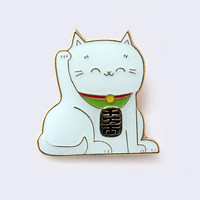 Lucky Cat Enamel Pin (Glow-in-the-Dark)