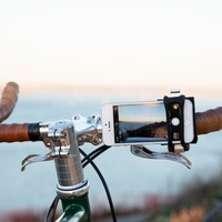 The Handleband Bike Mount - The Photojojo Store!