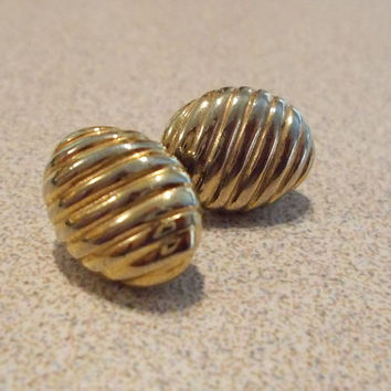 Gold Oval Button Diagonal Striped Post Earrings Vintage 80's Fashion Jewelry Ladies Gift Glamour Sparkle Classic Simple Elegant Posts