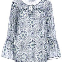 DailyLook: Floret Tile Print Flowy Blouse in NAVY MULTI S - XL