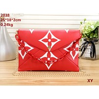 LV tide brand female small square bag envelope bag shoulder bag chain bag Red