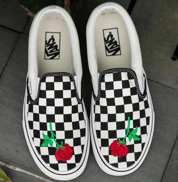 Image of Vans Slip-On Canvas Rose Embroidery Tartan Sneakers Sport Shoes