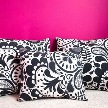 Black Pillow symmetric .16x16 inch.Decorator Pillow Covers.Printed Fabric Front and Back.Housewares.Home Decor.Cushions.cm